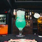 Trois cocktails originaux pour une soirée à Lyon avec un barman